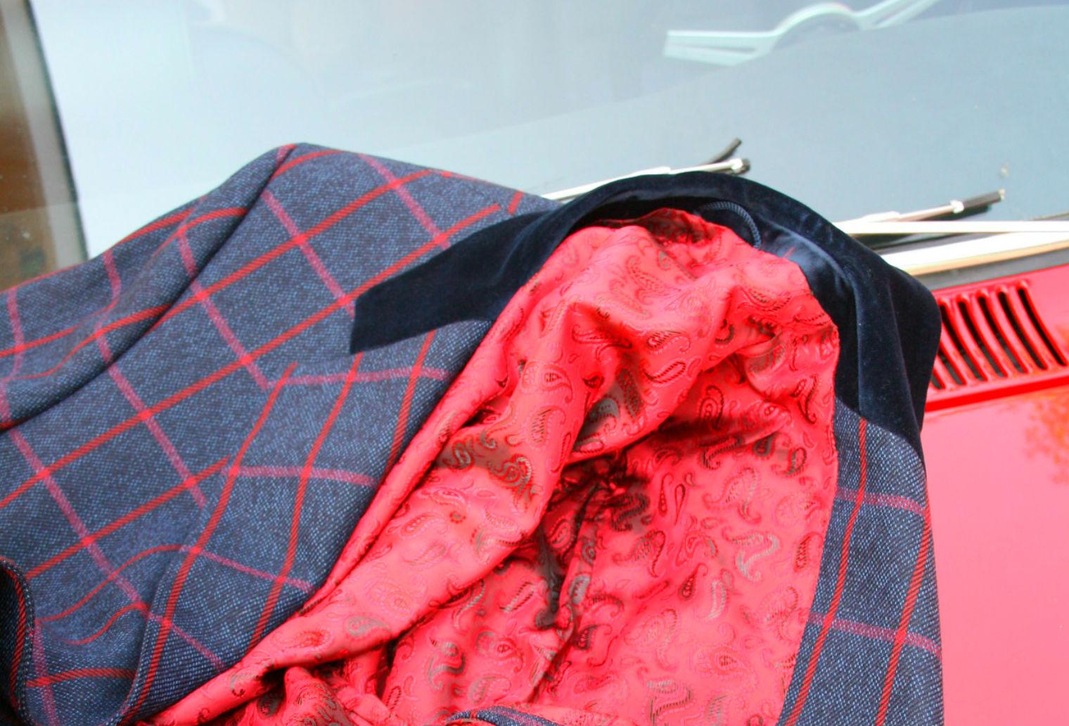 Men's overcoat with velvet collar on GTV