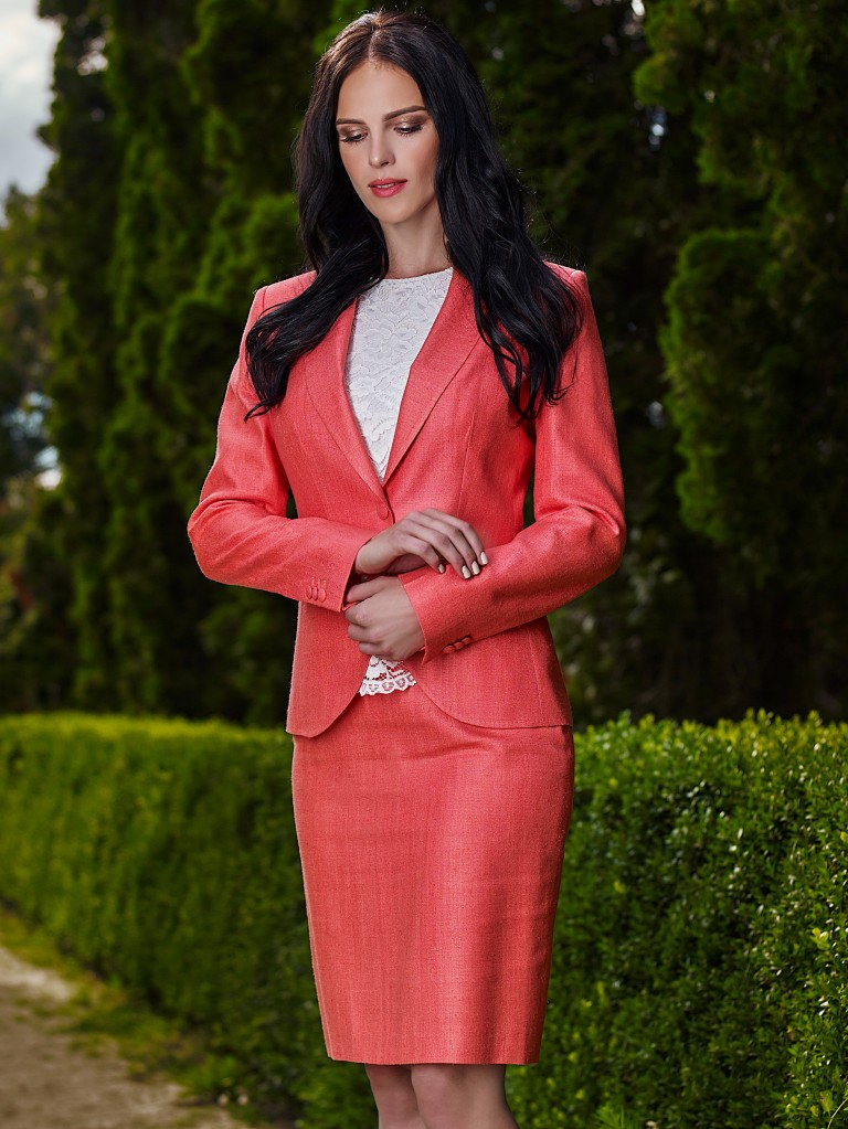 www.richardfox.co Ladies Silk and Wool suit